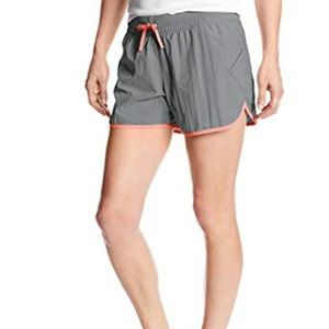 Columbia Women's Endless Trail Short Size Large